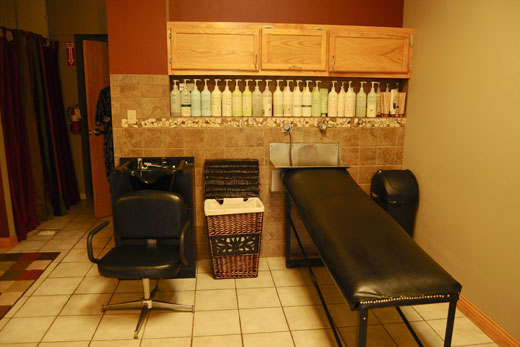 Jeannas Salon - Wash Area